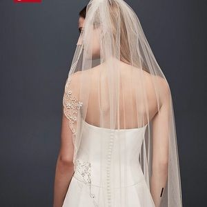 Accessories - Beaded lace veil
